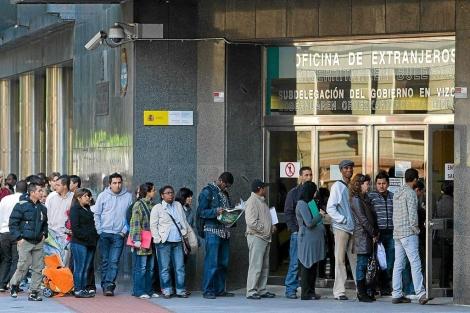 Correos Electrónicos en las Oficinas de Extranjería en Madrid
